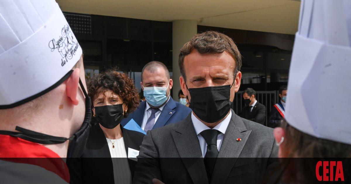 Френският президент Еманюел Макрон бе изненадан днес в департамента Дром