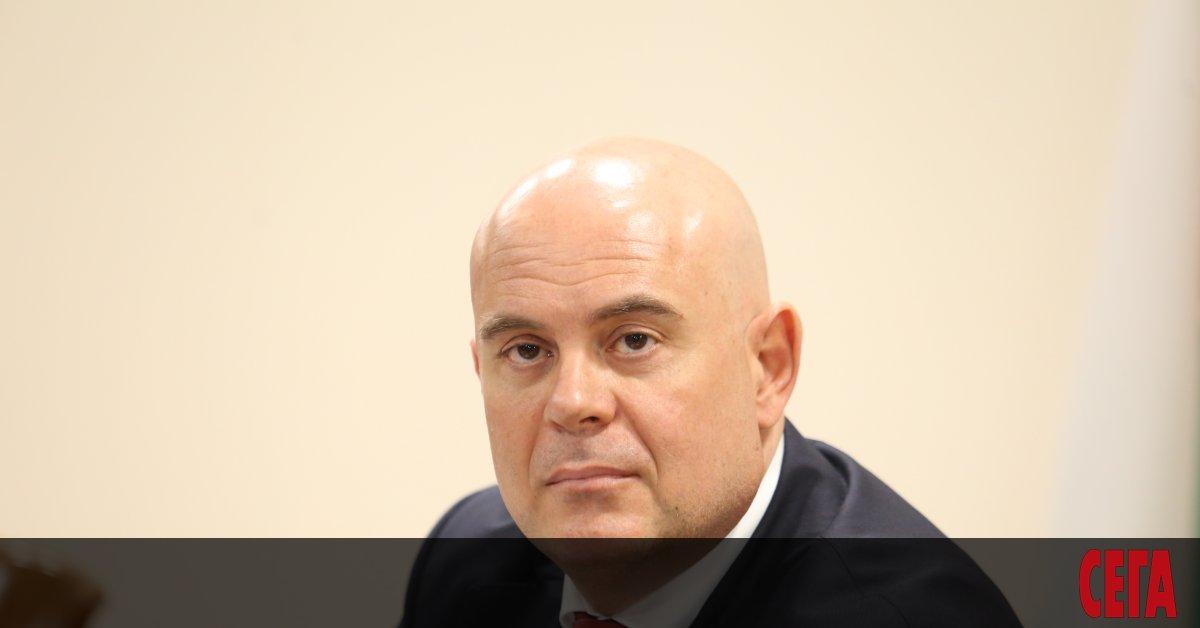 Главният прокурор Иван Гешев знае кой спецобвинител ще работи по