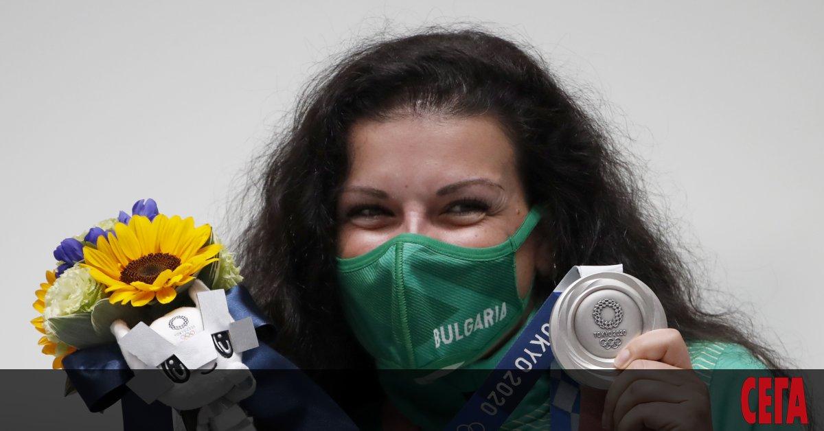 Антоанета Костадинова донесе първия медал на България от олимпийските игри