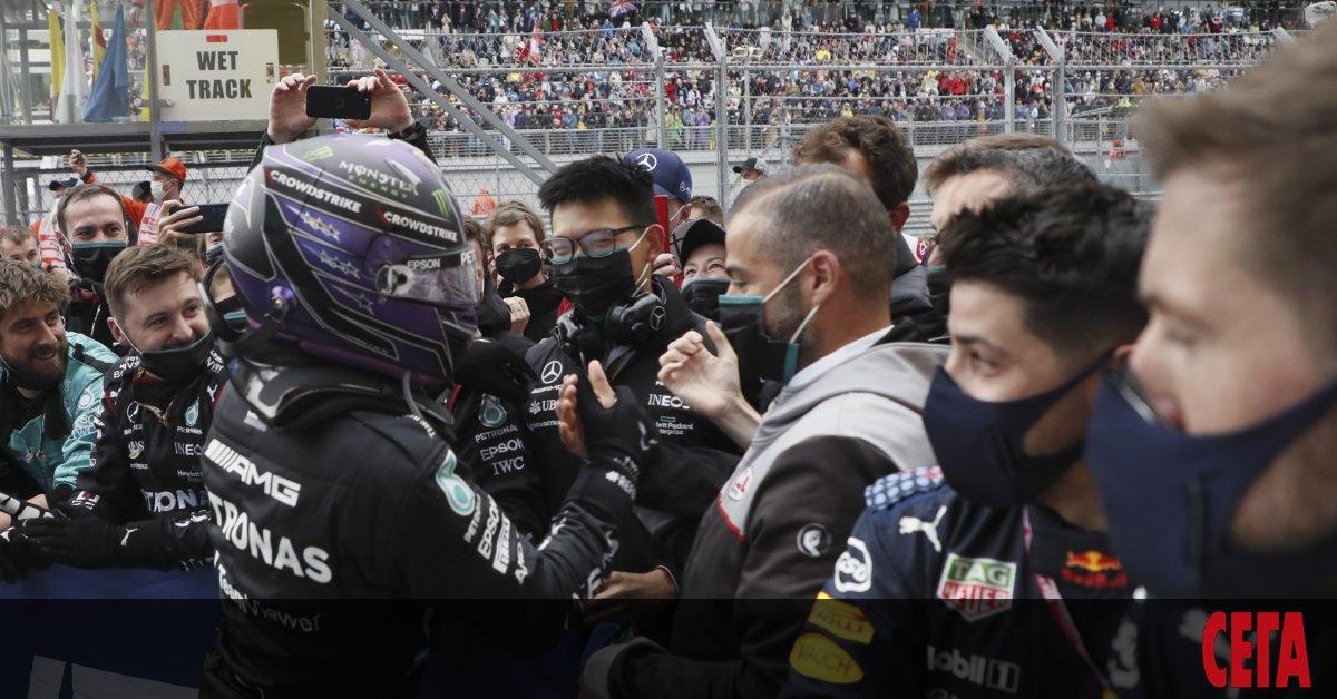 Седемкратният световен шампион във Формула 1 Люис Хамилтън (