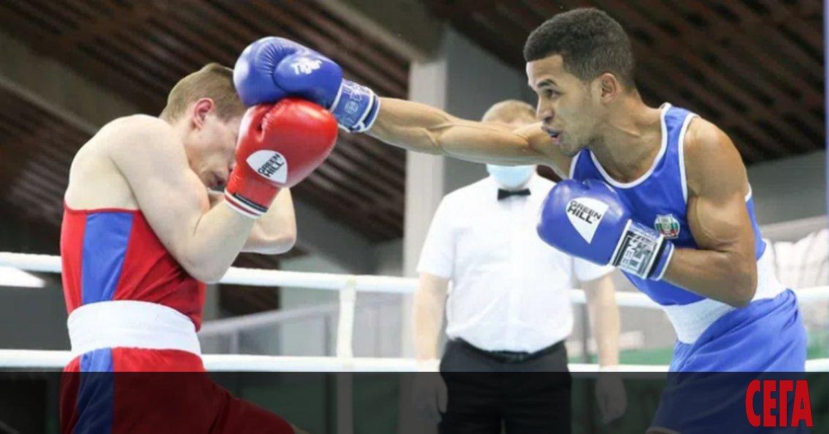 Националният ни отбор по бокс започна с победа на световното