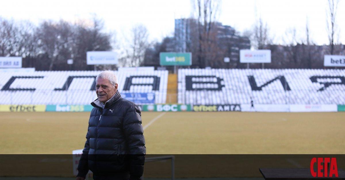 На 80-годишна възраст почина един от най-популярните български футболисти в