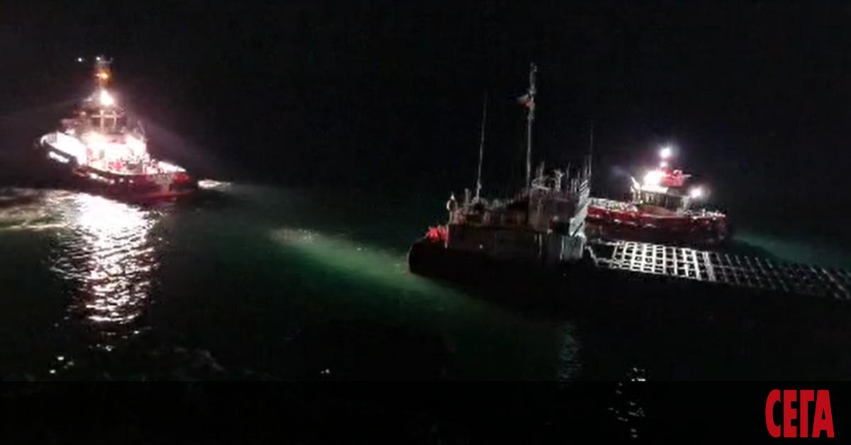 Операцията по спасяването на заседналия на Камен бряг кораб Vera