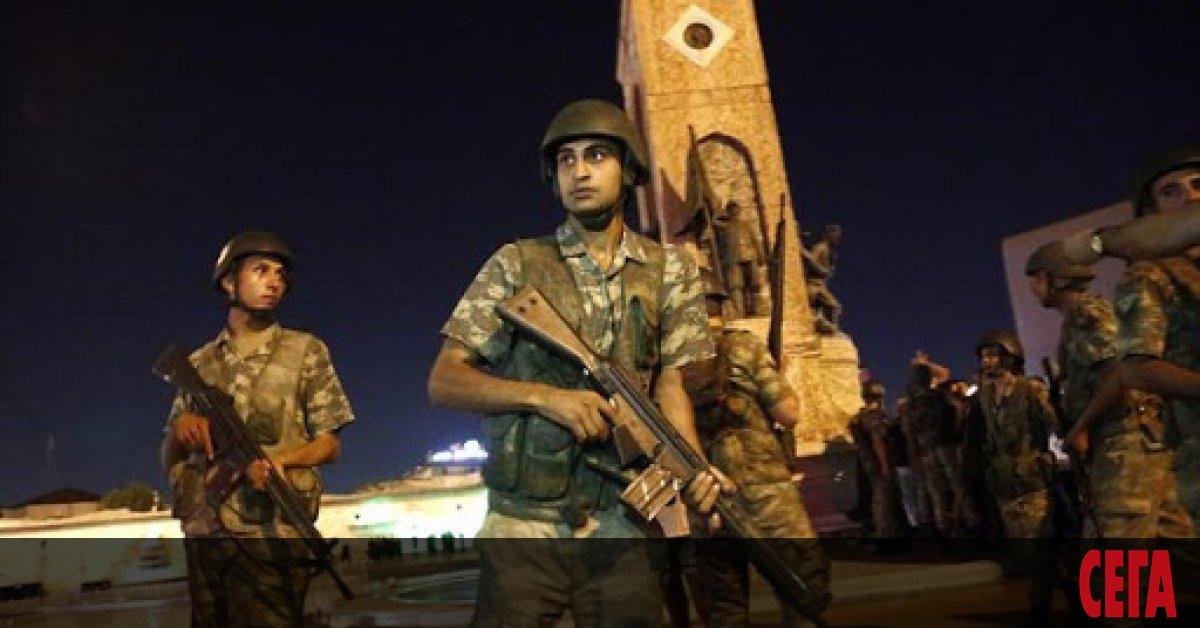 Съд в Анкара осъди 86 бивши военни на доживотен затвор