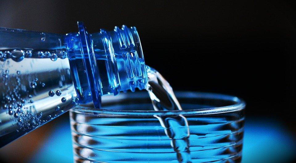 76b8c1596fa Каква вода да пием - изворна, трапезна или минерална? | СЕГА