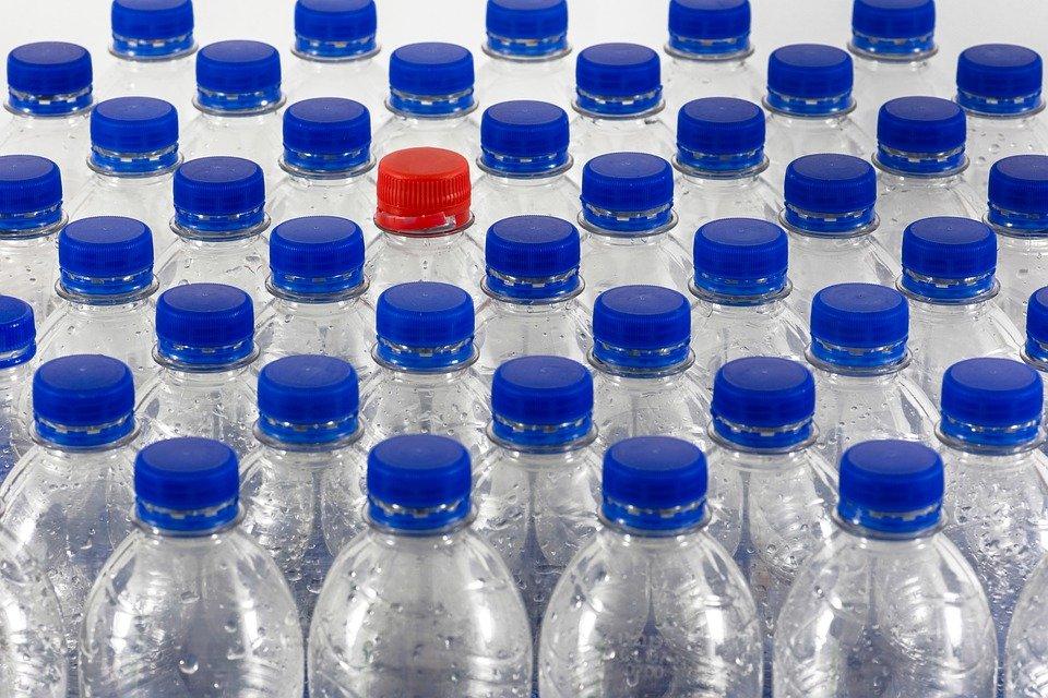 ae3694f4736 Основната разлика от минералните и изворните води е, че докато те са  абсолютно естествени и необработени, то трапезната вода винаги подлежи на  обработка.